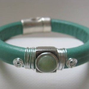 Regaliz Leather Bracelet with Soft Aqua Green Focal